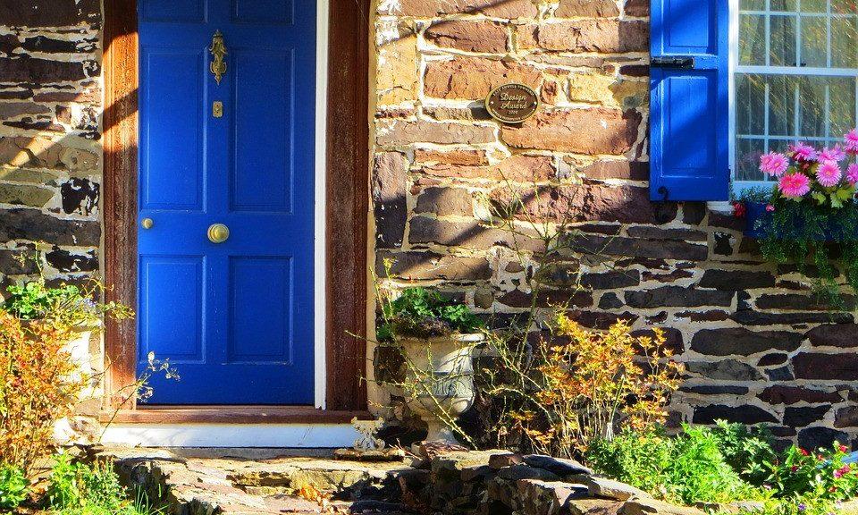 Ristrutturazione casa di campagna tipo di lavori arredo for Ristrutturare casa campagna