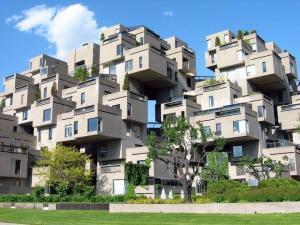 edificio con i cubi di cemento in canada
