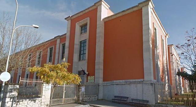 Edifici scolastici italiani efficienza energetica molto carente - Calcolo valore immobile commerciale ...