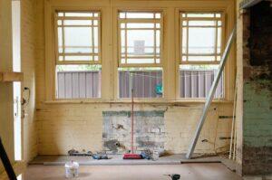 Immagine della parete interna di una casa da ristrutturare